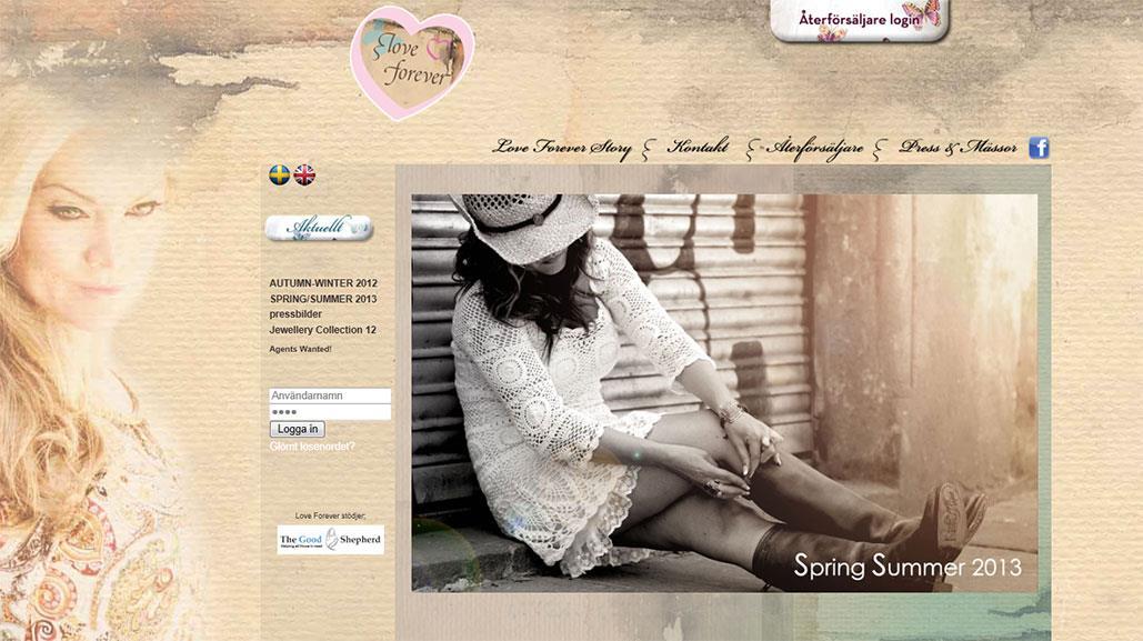 Webbdesign av Artgraphic för Love Forever